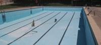 L'Ajuntament presentarà en assemblea les millores per a les piscines municipals i la Plaça Major