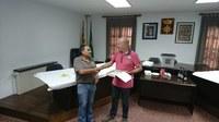 L'Ajuntament ret homenatge a l'Humbert Vilapriño pels anys de servei al municipi