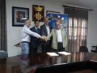 L'INCASÒL i l'Ajuntament signen el conveni que permet dotar al polígon dels serveis i subministraments necessaris